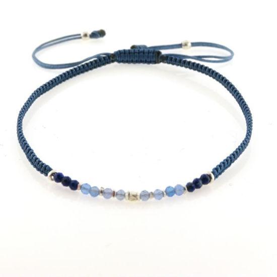 Billede af By Pind Colorful knyttet armbånd demin blå med mix sten og sølv
