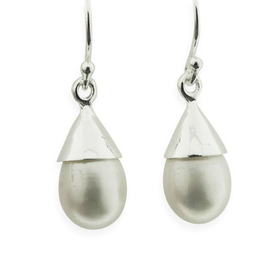 Billede af by Pind ørebøjle sølv med dråbeformet ferskvandsperle